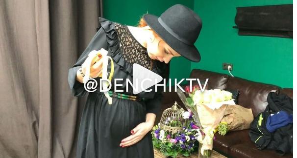 Pirmais video materiāls grūtniecībā ar Merilinu Kerro