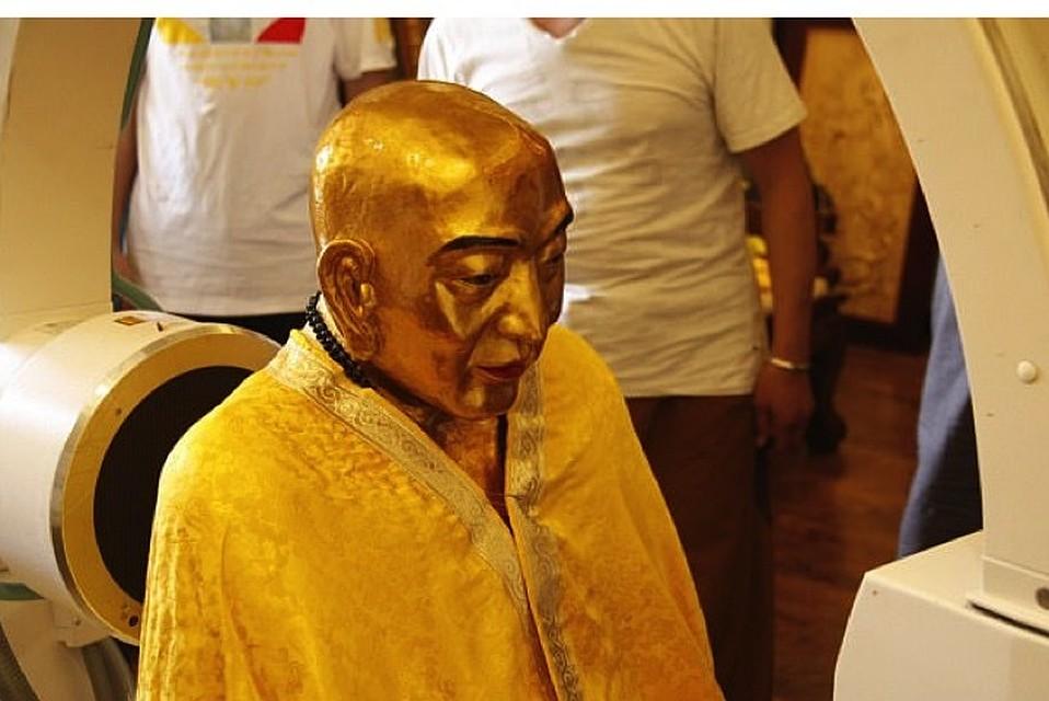 Izpētot 1000-gadīgās budistu mūka mūmijas galvu, zinātnieki atklāja kaut ko pavisam pārsteidzošu!