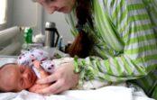 Pēc meitas piedzimšanas vīrs paziņoja, ka ar viņu kopā nedzīvos. Es audzināju bērnu viena. Un tad pagāja pāris gadu