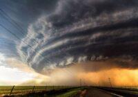 Tiek izplatīts oranžais brīdinājums: pēcpusdienā gaidāmi stipri negaisi