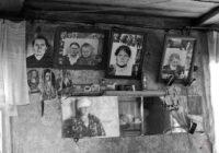 Mirušo radinieku fotogrāfijas nevar glabāt mājās, kad reiz to cilvēki sapratīs!