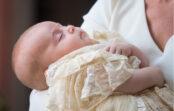 Svētdien bijām kristībās. Nekādi nespēju pārstāt domāt par eksotisko vārdu, kādu vecāki deva meitiņai