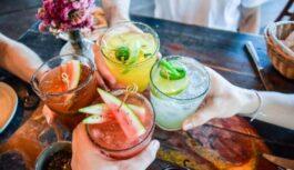 TOP5 alus kokteiļi, kas lieliski spirdzinās tveicīgās vasaras dienās. Izmēģini, tev noteikti patiks! Īpaši patiks līgo svinētājiem