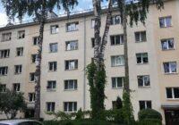 Latvijā lielākās renovētās daudzīvokļu mājas atklāšana
