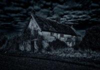 Klusā ciemā atradu 11 gadus vecu, pamestu māju. Kad atvēru durvis un ieraudzīju mājas iekšpusi palika bailīgi, bet tik un tā iegāju iekšā