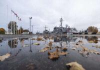 Pieminēs Latvijas Neatkarības karā kritušos Lielbritānijas, Francijas un Īrijas jūrniekus