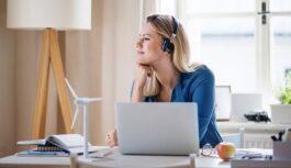 Attālināta darba izaicinājumi: kā iekārtot darba vietu mājās