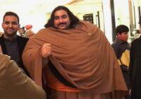 """440kg smags pakistānietis meklē sev līgavu. Viņš baidās sieviņu """"nospiest"""", jo ir nolēmis spert svarīgu nākotnes soli"""
