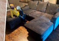 """Sieviete nopirka lietotu dīvānu. Bet jau nākamajā dienā jauniegūtais dīvāns """"atdzīvojās"""""""