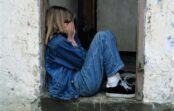 Adoptētā meita skrēja pie savas īstās mātes, taču dzīvoklī viņu sagaidīja īsts briesmonis un sākās histērija